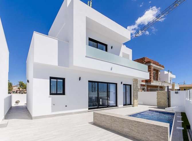 Luxury Villas in Los Montesinos