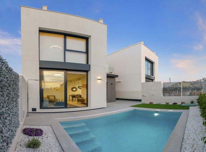 Beautiful new 3 bedroom villas