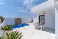 Four bedroom villas close to the beach
